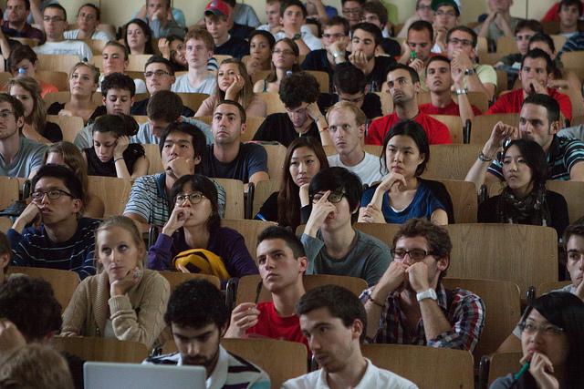 Etude d'impact d'Erasmus : les diplômés du programme d'échange réussissent mieux sur le marché de l'emploi.